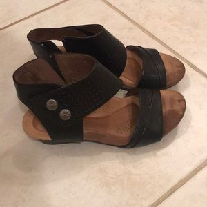 Rockport Cobbhill sandals size 6.5